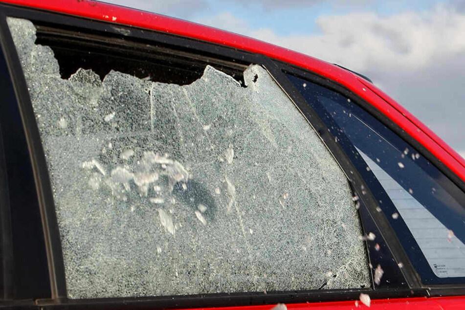 Dank eines Zeugen konnte ein Autoeinbrecher geschnappt werden. (Symbolbild)