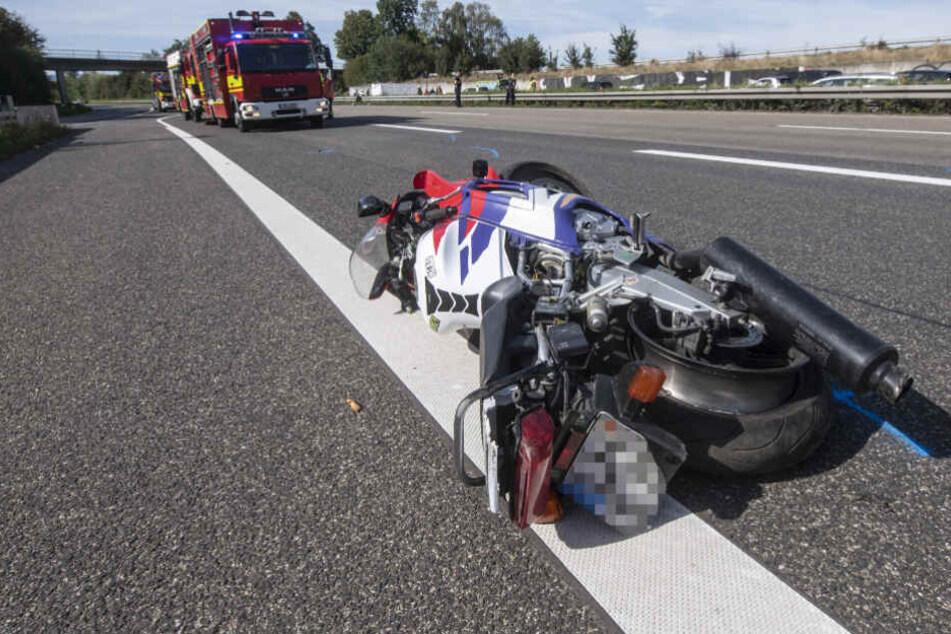 Das Motorrad schleuderte auf die Gegenfahrbahn.