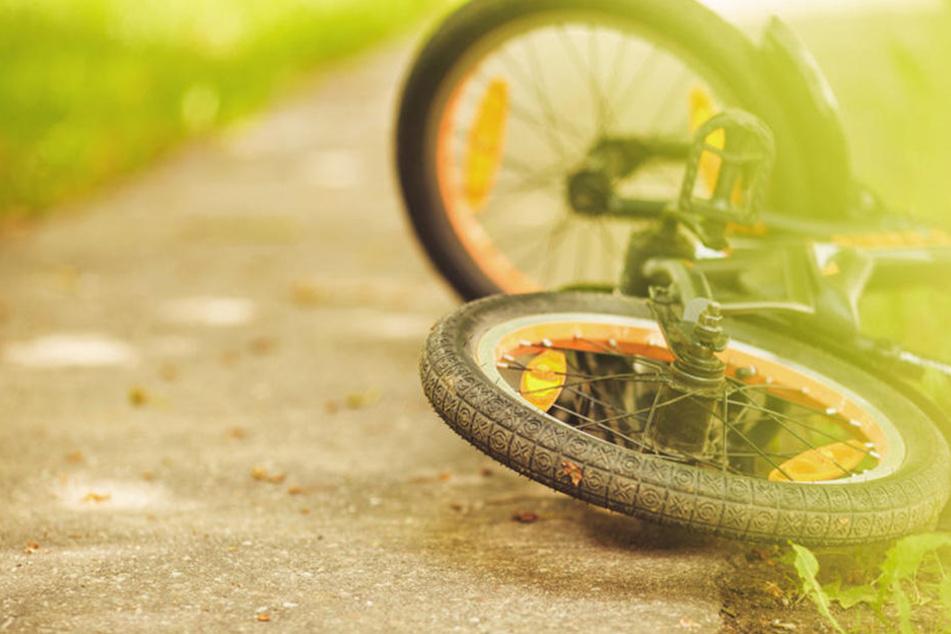 Der Junge hatte sich bei dem Unfall doch mehr verletzt, als zunächst gedacht. (Symbolbild)