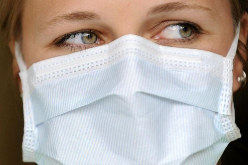 Nach ersten Corona-Fällen: Kistenweise Mundschutzmasken aus Krankenhaus geklaut!