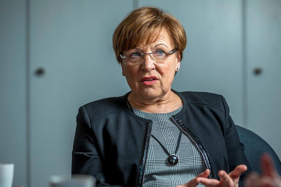 Kampf um Lehrer: Im bundesweiten Wettbewerb sattle Sachsen jetzt drauf, so  Kultusministerin Brunhild Kurth (62, CDU).