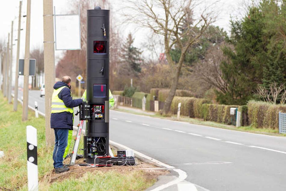 An der Stotternheimer Straße in Erfurt sorgt ein stationärer Blitzer für Geschwindigkeitskontrollen.