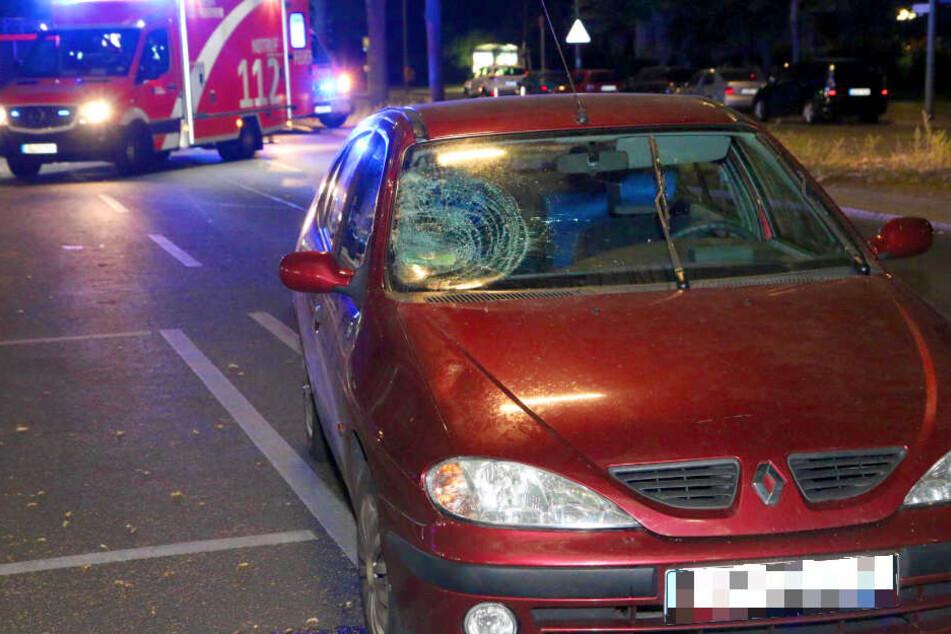 Ein Auto hat in der Nacht zu Dienstag einen Mann auf dem Buckower Damm in Britz erfasst.