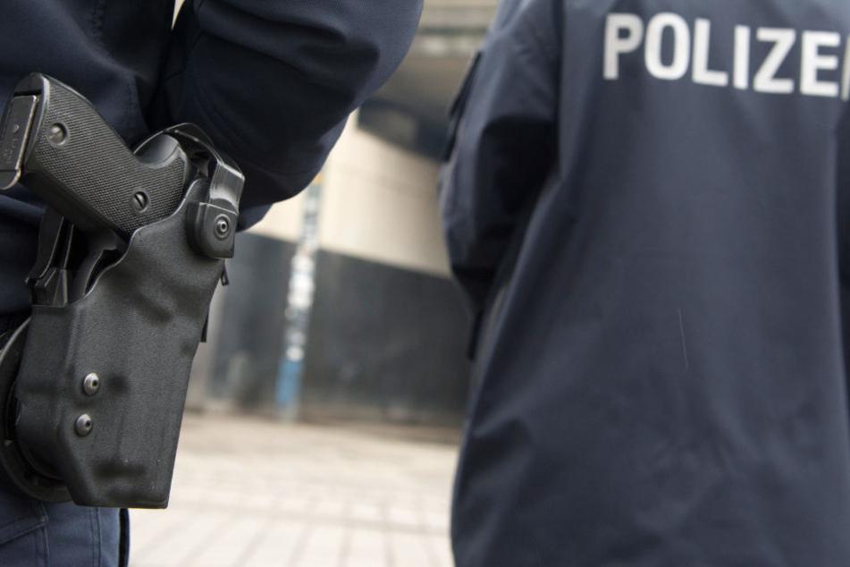 In der Innenstadt kontrollierten die Polizeibeamten am Freitagabend mehrere Jungendliche. (Symbolbild)