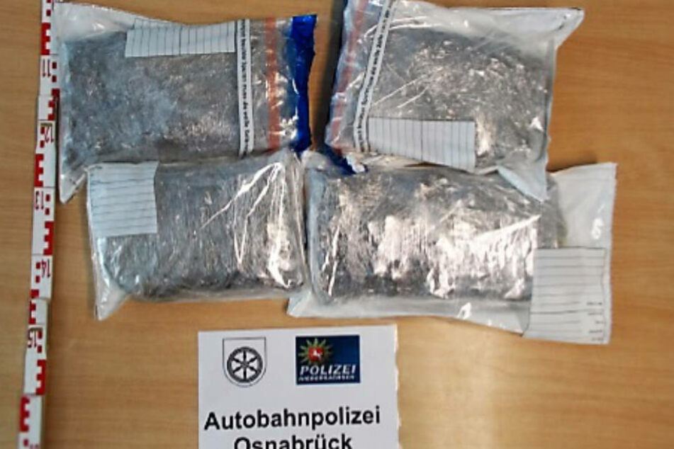 In den vier Päckchen waren Drogen im Wert von 30.000 Euro verpackt.
