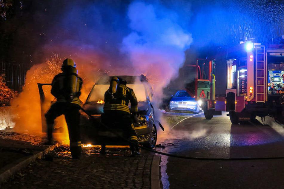 Der Skoda stand komplett in Flammen.