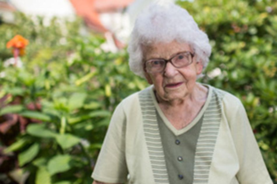 Oma Anni machte als SPD-Wählerin schonmal Werbung für die Linke.