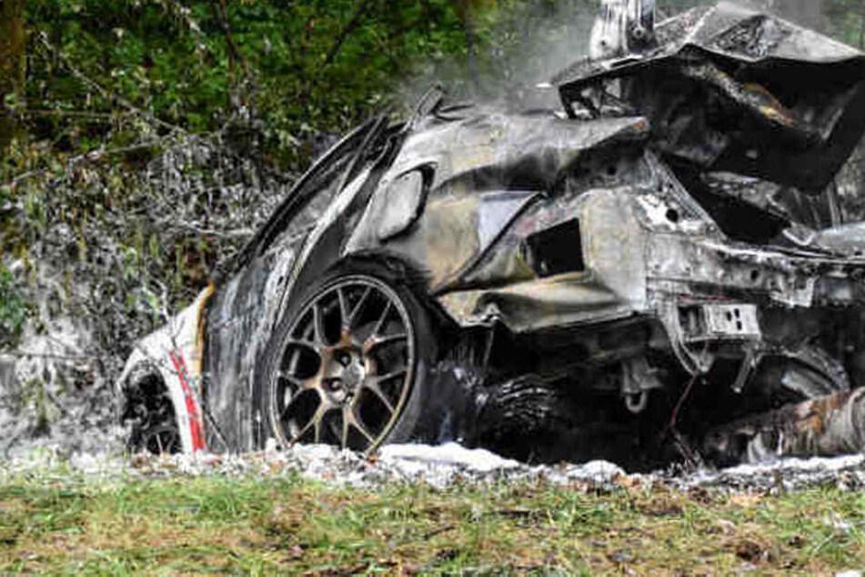 In diesen Auto verbrannten zwei Menschen.