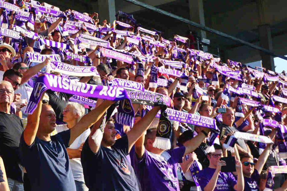 Die Fans sind eine Macht! Wie gegen Stuttgart sollen die Auer Anhänger auch heute hinter ihren Veilchen stehen.