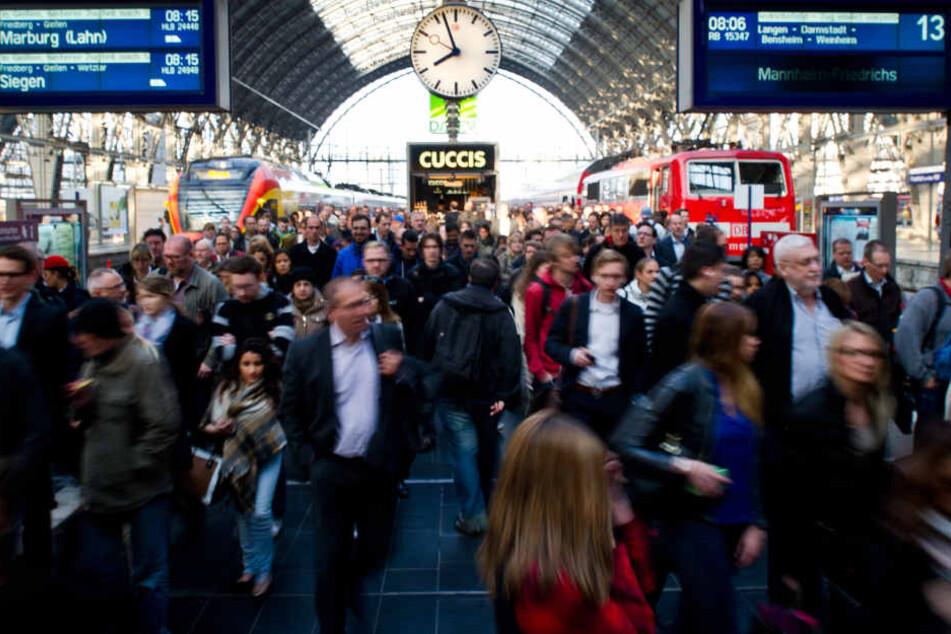 Der Frankfurter Hauptbahnhof ist Pendler-Hochburg. (Symbolbild)