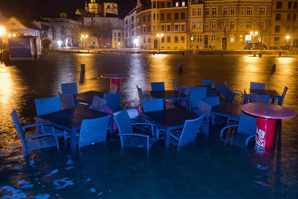 Auch Stralsund hatte mit Überschwemmungen in der Innenstadt zu kämpfen.