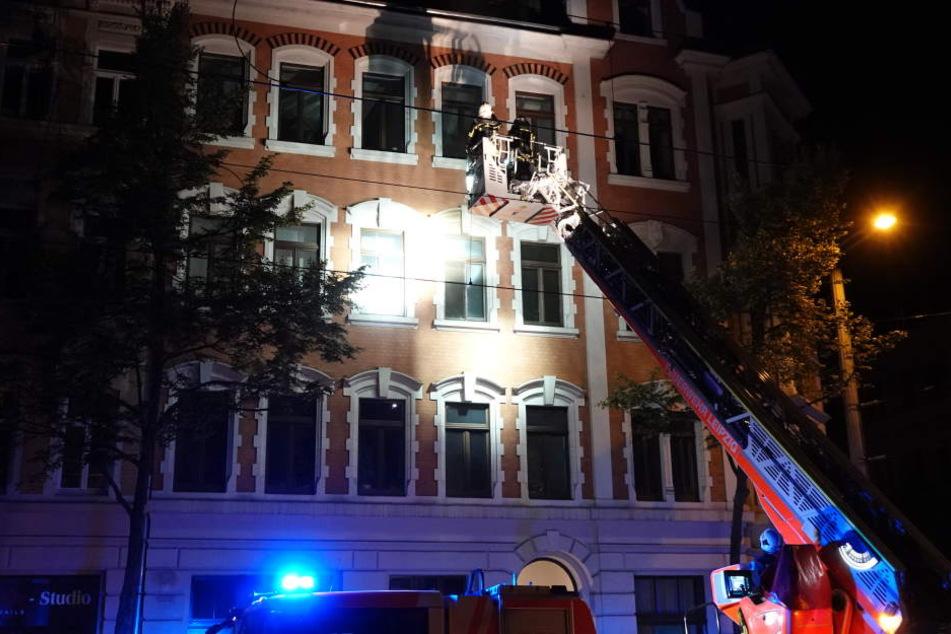 Die Feuerwehr konnte den Brand schnell löschen. Für den Bewohner der Wohnung kam jedoch jede Hilfe zu spät.