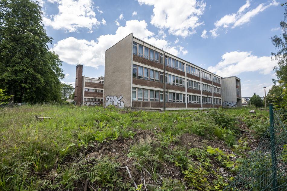 In der Vettersstraße 34 soll bis März 2023 eine neue Oberschule mit moderner Zweifeldsporthalle entstehen.