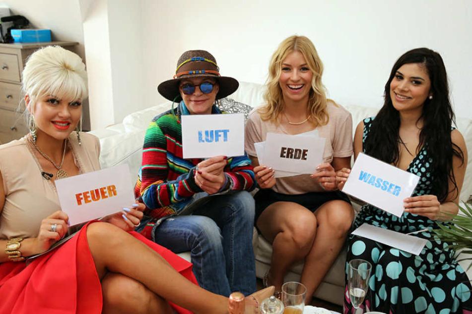 """Shoppen nach dem Motto """"Vier Elemente"""": Sophia Wollersheim (29, v.l.), Barbara Engel (64), Annica Hansen (34) und Tanja Tischewisch (27)."""
