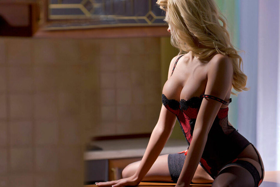 Die 51-jährige Prostituierte wurde nach der Bezahlung von dem Freier bewusstlos geschlagen und ausgeraubt. (Symbolbild)
