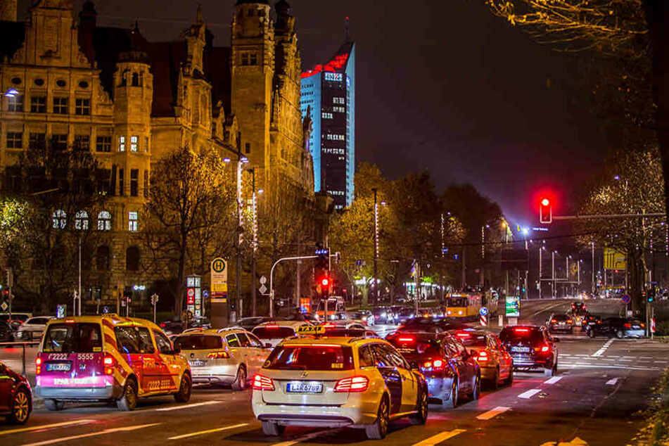 Das Leipziger Rathaus muss angesichts des Bevölkerungswachstums auf den  steigenden Verkehr reagieren.