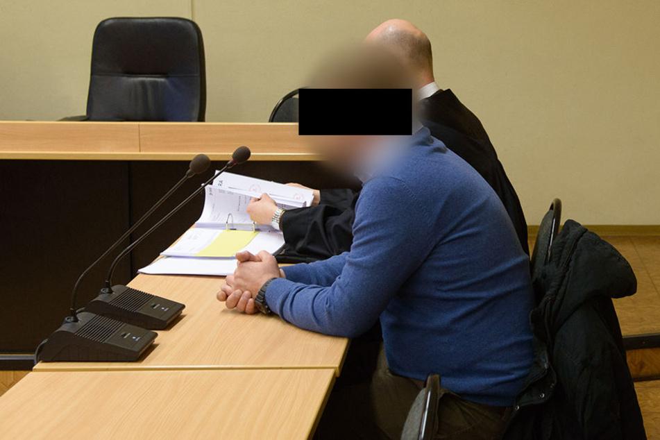 Der Busfahrer aus Österreich sitzt seit Februar auf der Anklagebank.