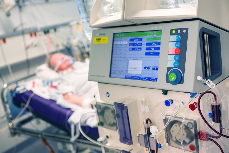 Immer auf der Kippe: Die Beatmung eines kranken Corona-Patienten ist für beide Seiten eine Herausforderung.