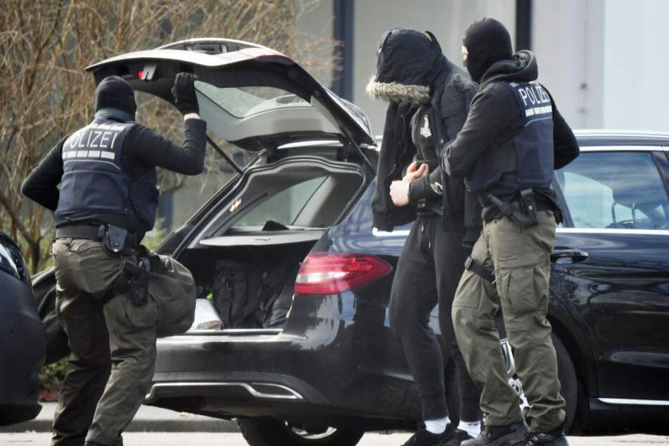 Rechte Terrorzelle gesprengt: Zwei Sachsen-Anhalter in Haft