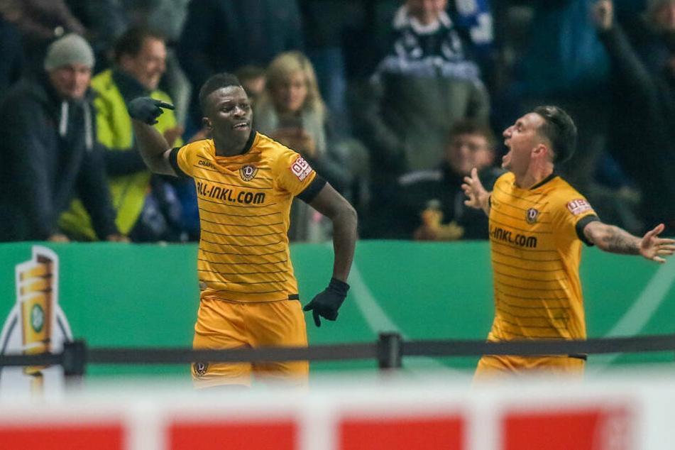 Moussa Koné (links) sorgte in der 36. Minute für die Dynamo-Führung.