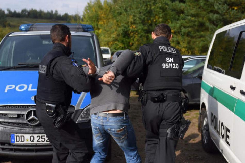 Einer der Männer wurde in Löbau festgenommen. (Symbolbild)