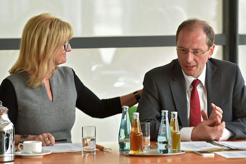 Andrea Dombois (links) darf sich über den Sieg in der Sächsischen Schweiz freuen.