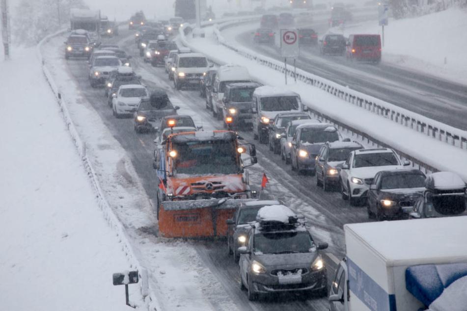 Katastrophenfall in Bayern ausgerufen! Höchste Lawinenwarnstufe in Tirol steht bevor!