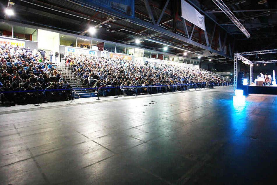 Die Mitgliederversammlung des Chemnitzer FC soll am 19. August in der Messe Chemnitz stattfinden und dürfte wieder sehr gut besucht sein. Schließlich geht es um wichtige Entscheidungen für den Verein.