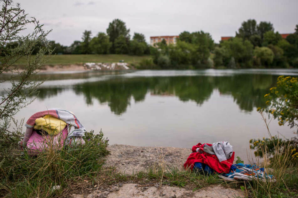 Die Stadt rät dringend davon ab, ein Bad im Theklaer Bagger zu nehmen.