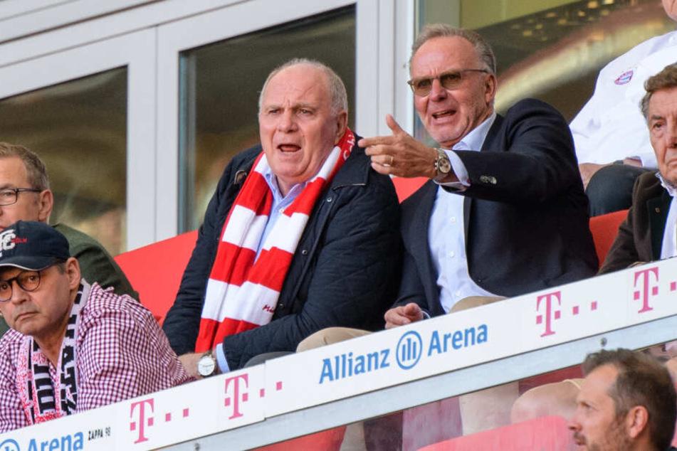 Uli Hoeneß, Vereinspräsident vom FC Bayern (l), und Karl-Heinz Rummenigge, Vorstandschef vom FC Bayern.
