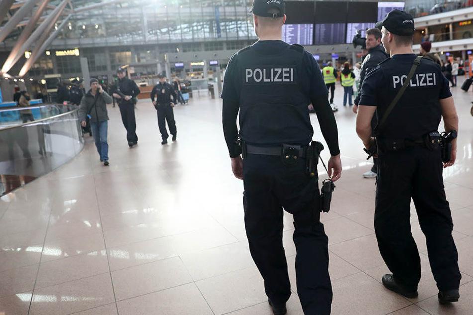 Die Bundespolizei hat die Frau kontrolliert und danach umgehend verhaftet (Symbolbild).