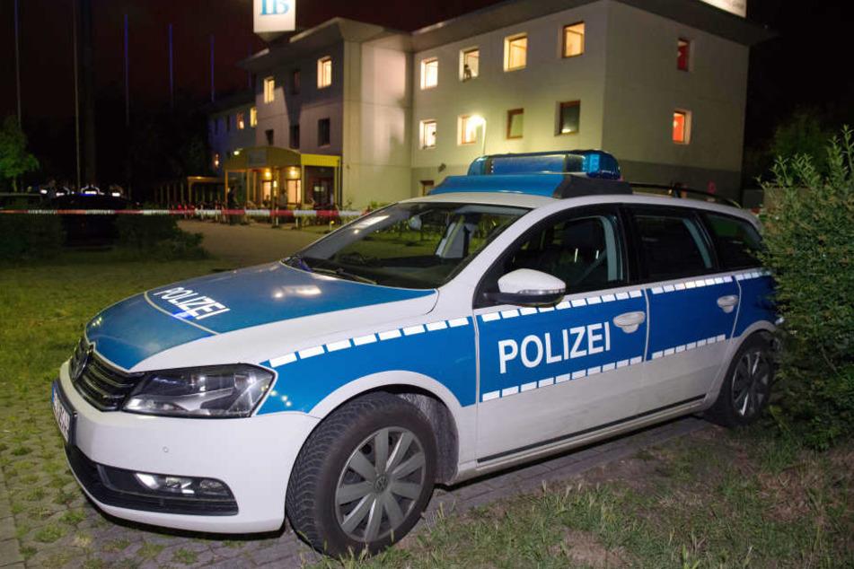 Blutiger Streit in Asylunterkunft: Mann geht mit Messer auf Landsmann los