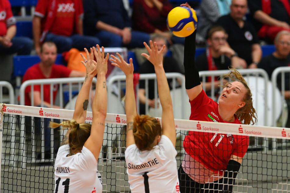 Mit den Fans im Rücken gab DSC-Ass Maja Storck (22) am Dienstag richtig Gas und schmetterte dem Erfurter Block ein ums andere Mal die Bälle um die Ohren.