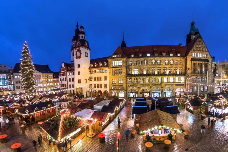 Ein Bummel über den Chemnitzer Weihnachtsmarkt macht rund 4200 Schritte und 150 verbrannte Kalorien.