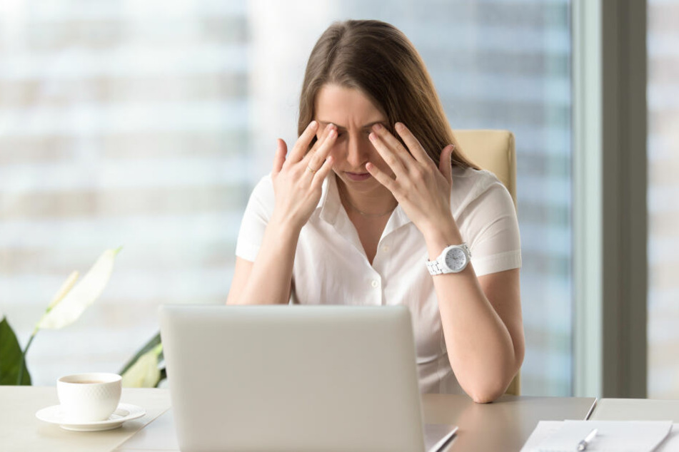 Augentraining oder einfach nur mal in die Ferne schauen, fördert die Flexibilität der Augenlinse und lockert die angespannten Ziliarmuskeln. Unsere Seh-Checks helfen Ihnen, eigene Sehfehler zu erkennen.