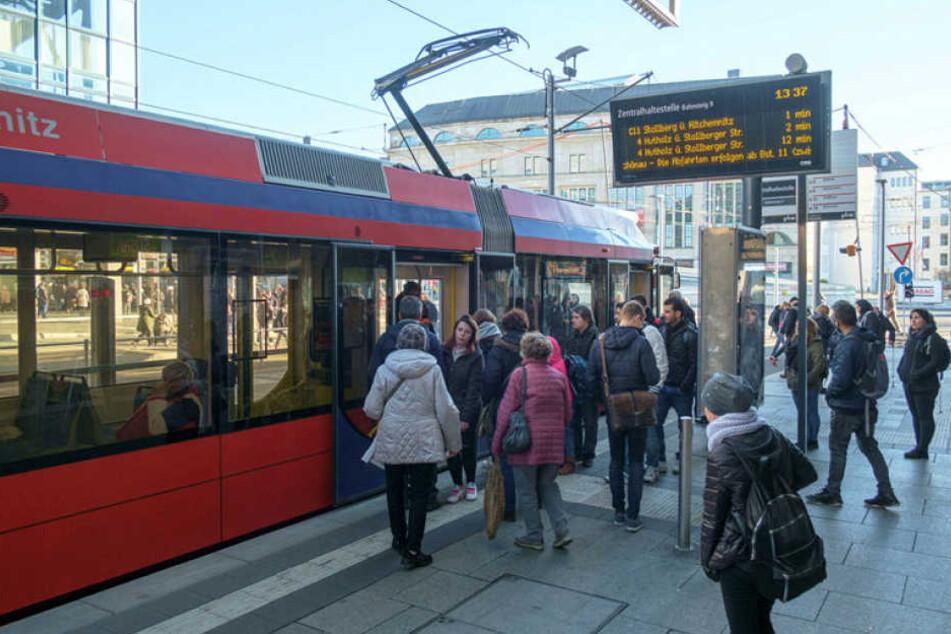 Linke und Grüne nehmen im Stadtrat erneut Anlauf für ein Sozialticket für Bus und Tram.