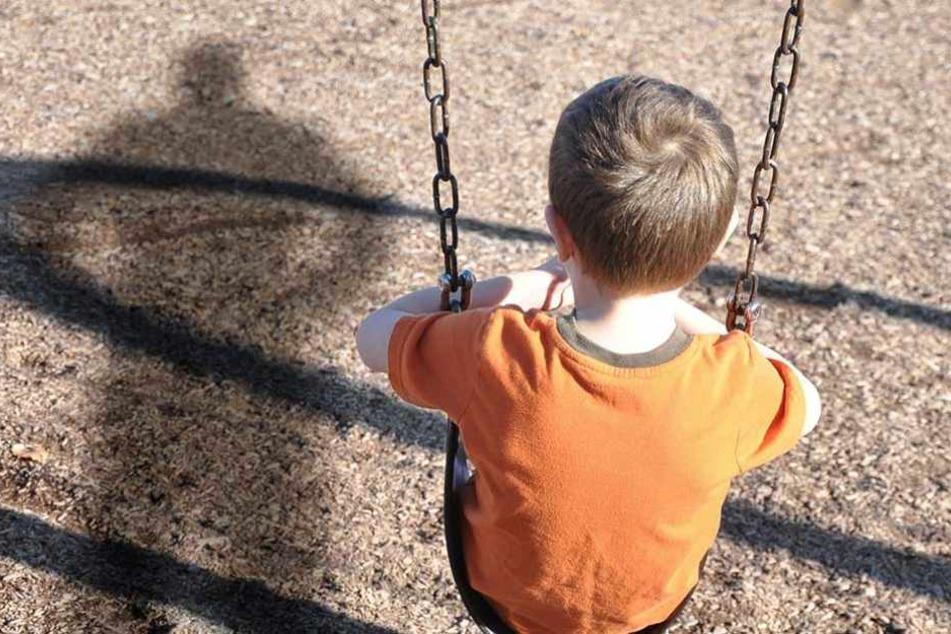 An zwei Grundschulen und einer Kita in Friedenau wurden in den vergangenen Wochen Kinder von einem Unbekannten angesprochen und mit Süßigkeiten und Welpen gelockt.