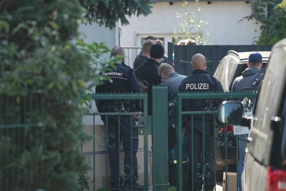 Razzia in Neubrandenburg: Extremismusverdacht bei einem Soldaten