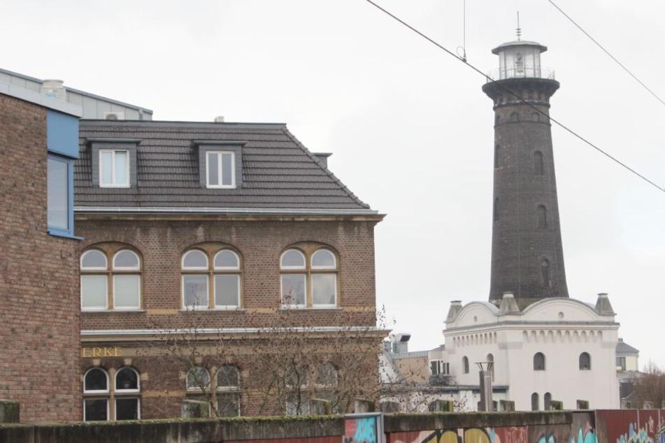 In Köln-Ehrenfeld steht der 44 Meter hohe Helios-Leuchtturm.