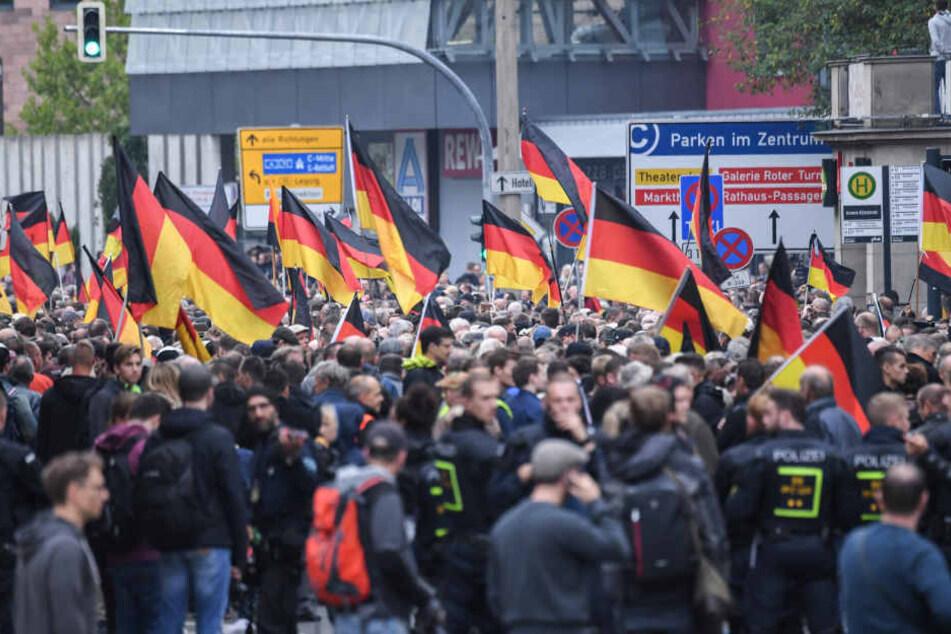 Das Foto der Leipziger Studentin war bei einer von AfD und Pegida organisierten Demonstration am 1. September 2018 in Chemnitz verwendet worden.