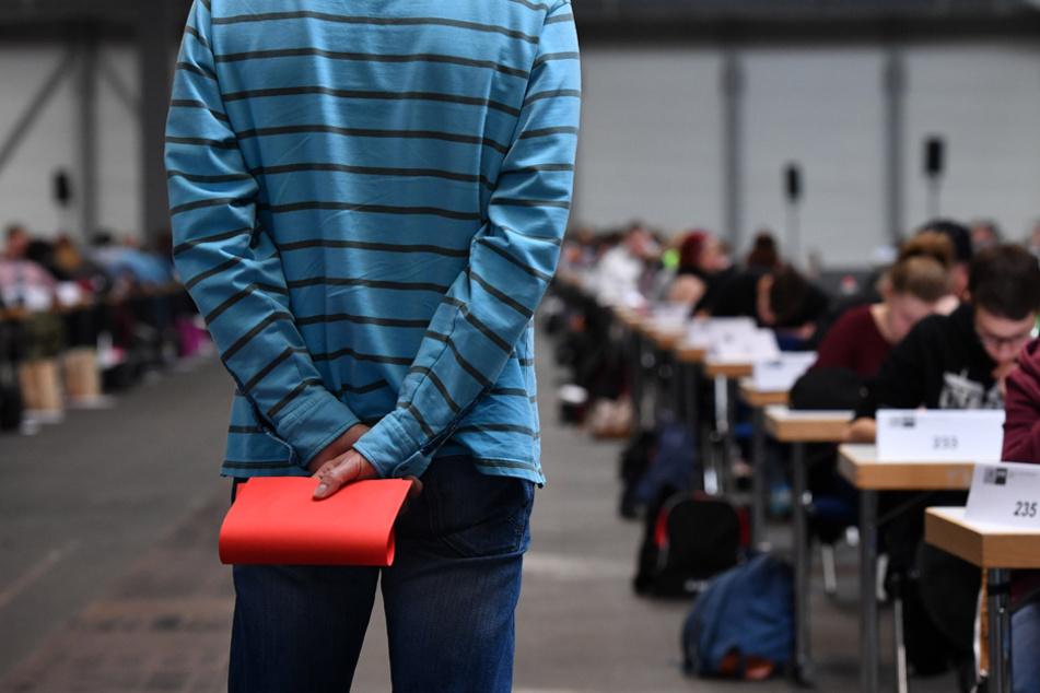 Abschlussprüfungen sollen nach Willen der GEW 2020 nicht stattfinden. (Archiv)