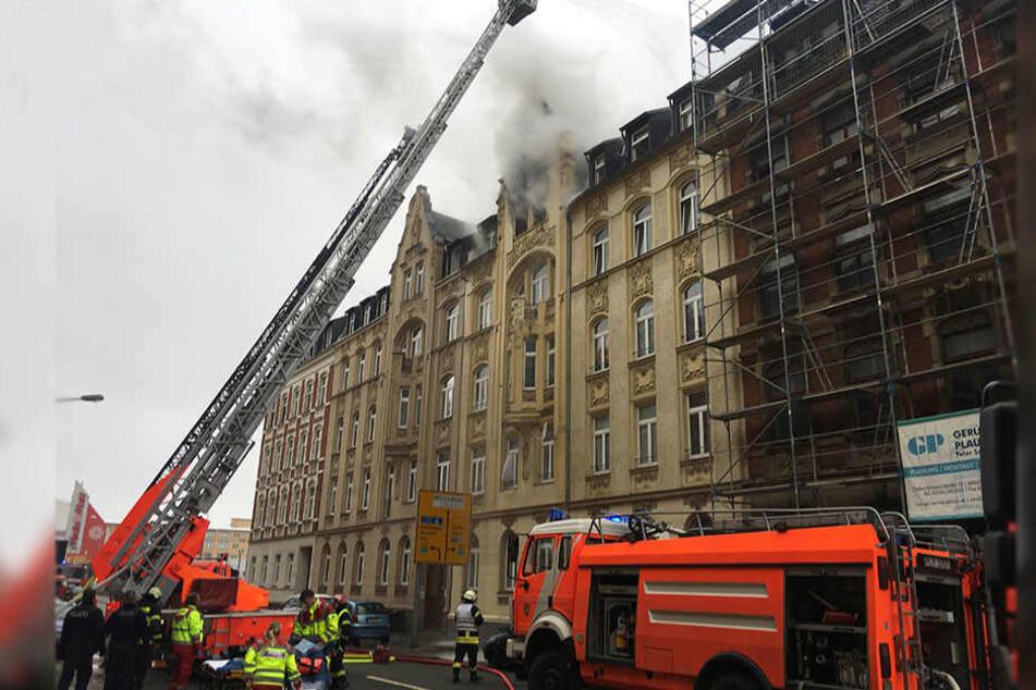 In der Dürerstraße stand am Montagmorgen ein Wohnhaus in Flammen.