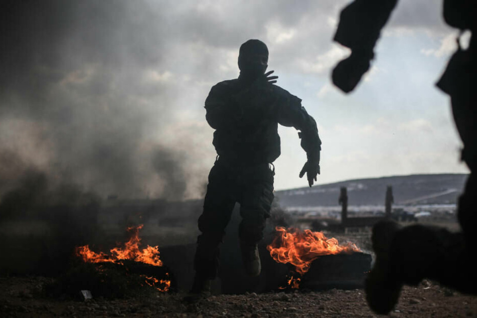 Syrer posierte auf Bild mit abgeschlagenem Kopf von Kriegs-Gegner