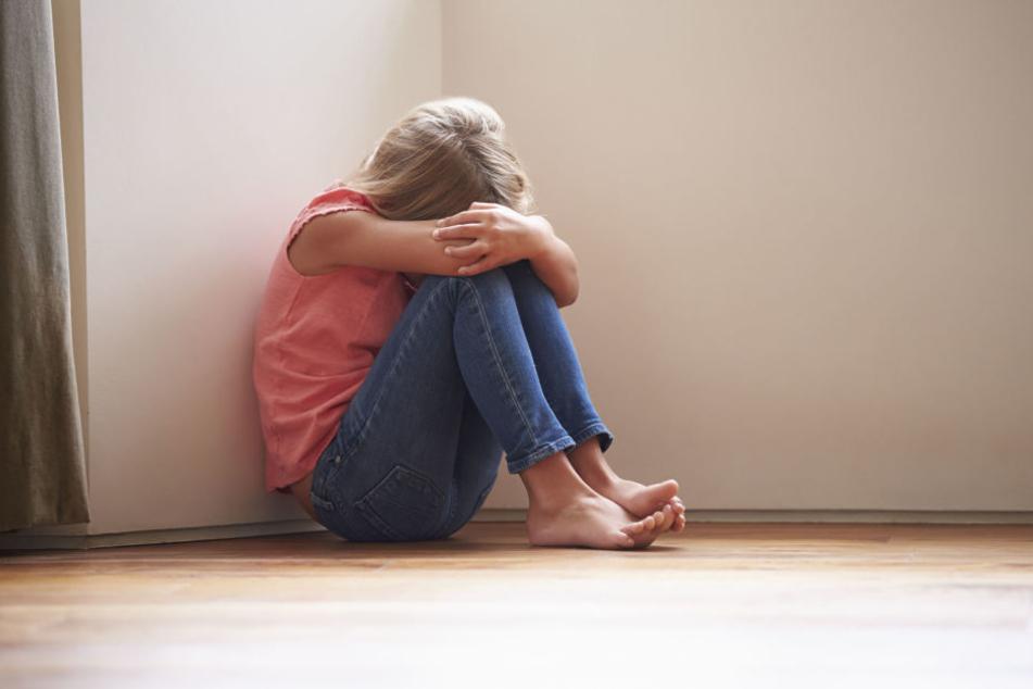 Ein elfjähriges Mädchen wurde vergewaltigt und dabei geschwängert. Der mutmaßliche Peiniger streitet alles ab.