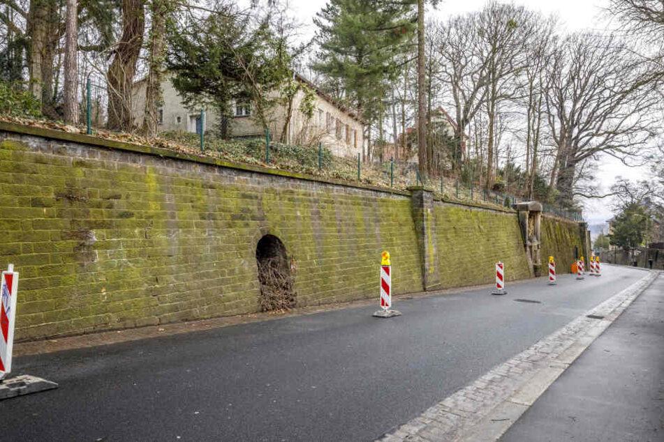 Die Stützmauer an der Schillingstraße soll bis Juni dieses Jahres in Ordnung gebracht werden.
