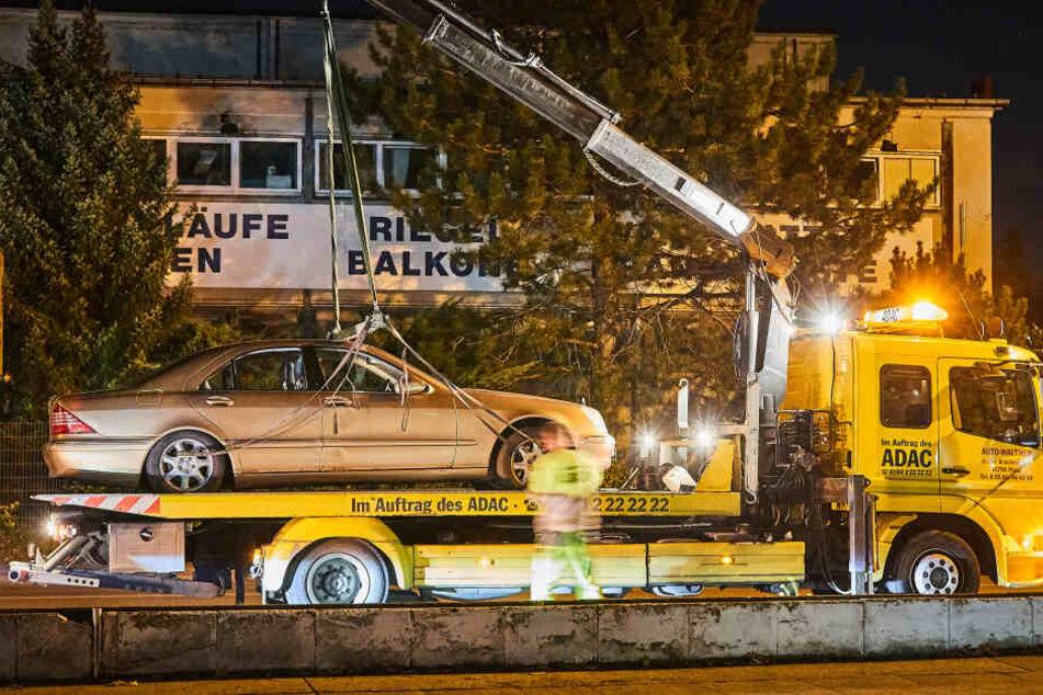 Am Schluss wurde der Mercedes abgeschleppt.