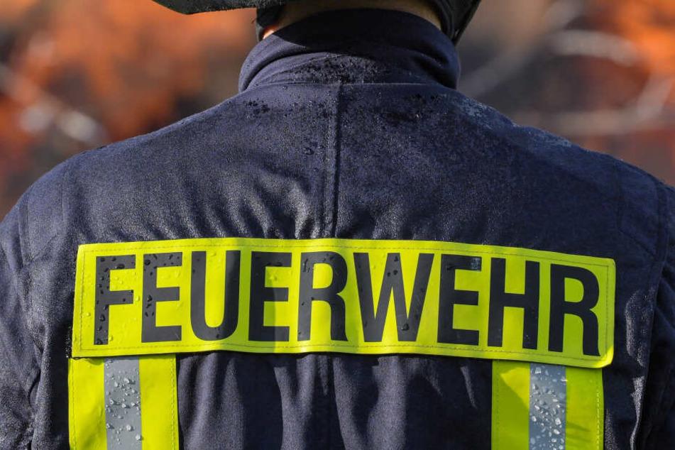 Die Feuerwehr löschte den Brand in Moritzburg, für den älteren Mann kam jedoch jede Hilfe zu spät.