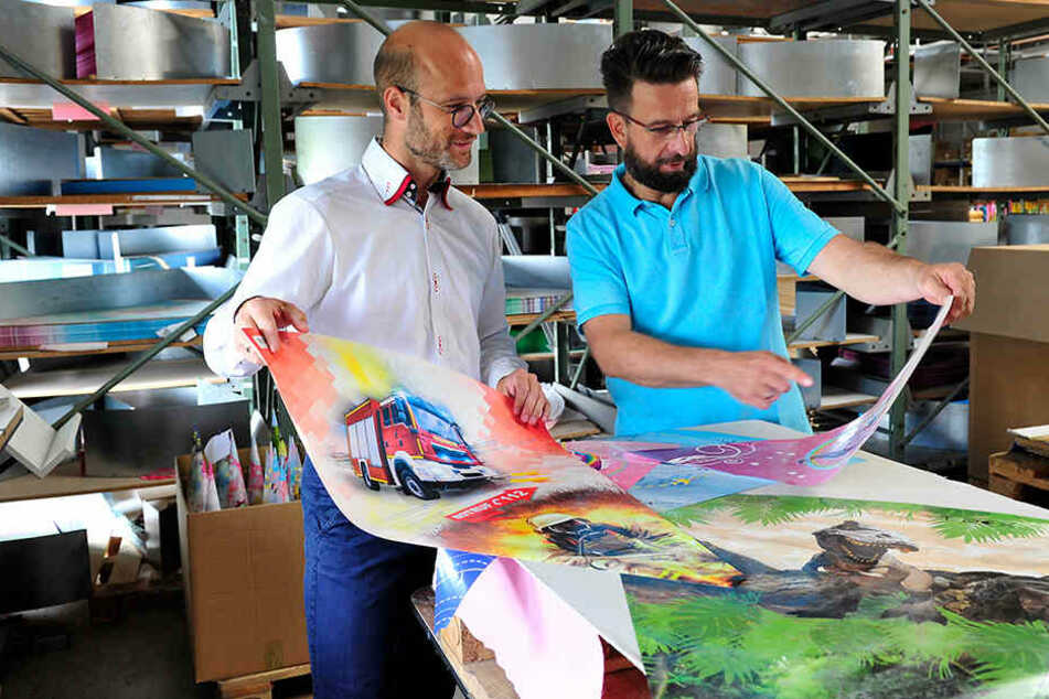 Lukas Roth (38) und Jens Heinz (47) in der Zuckertütenfabrik.