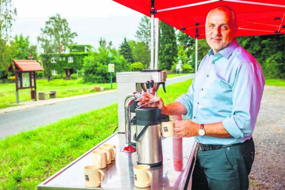 Viele Liter Kaffee werden von Gebhardt im Wahlkampf ausgeschenkt. Ob es hilft?