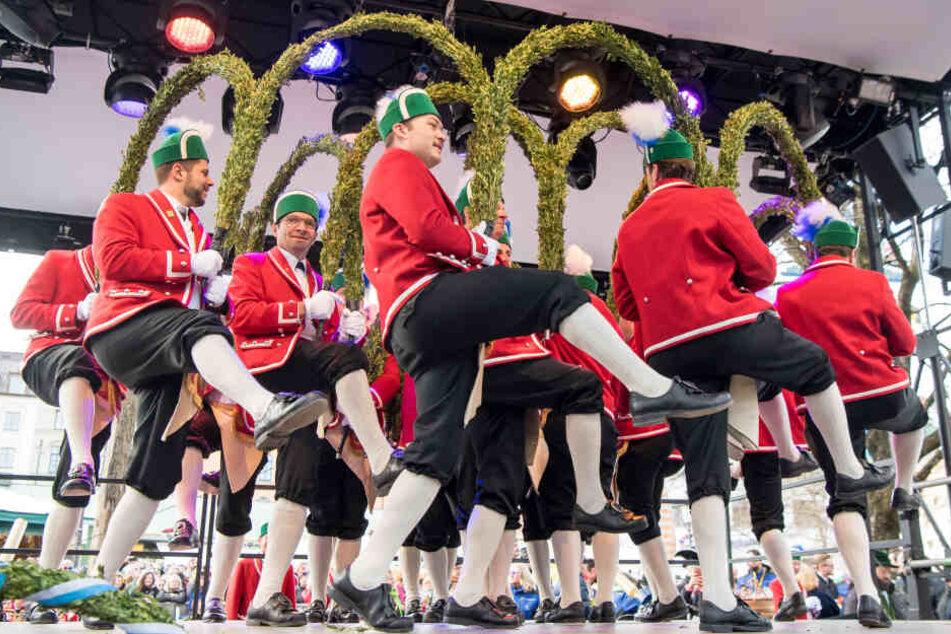 Ein besonderes Highlight auf dem Viktualienmarkt: die tanzenden Schäffler.
